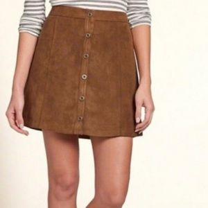 Hollister Co. Suede Button Mini Skirt 00